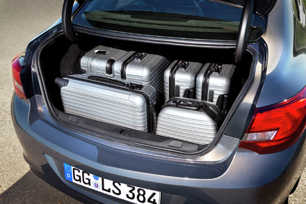 astra-sedan3