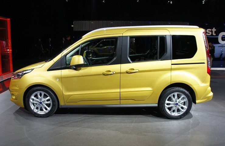ford-tourneo4