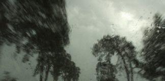 niebezpiecznie-w-deszczu