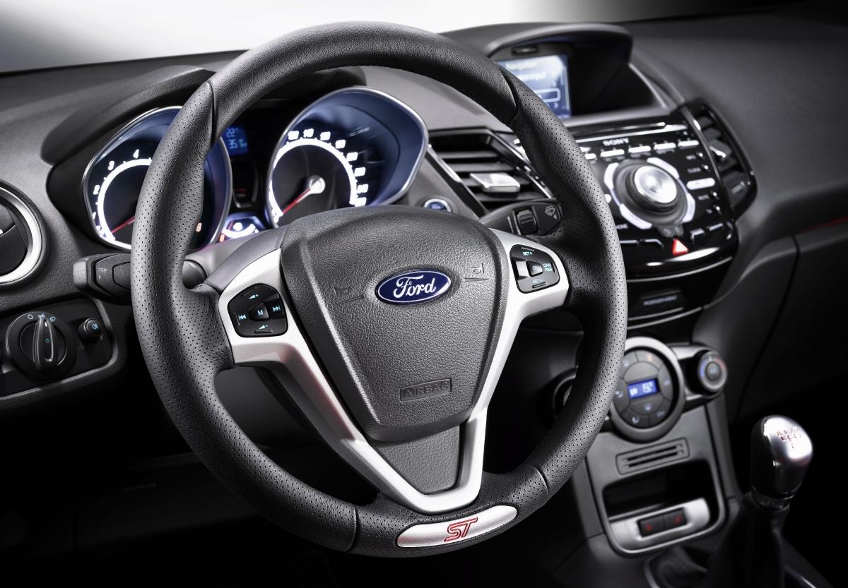 kokpit Ford Fiesta