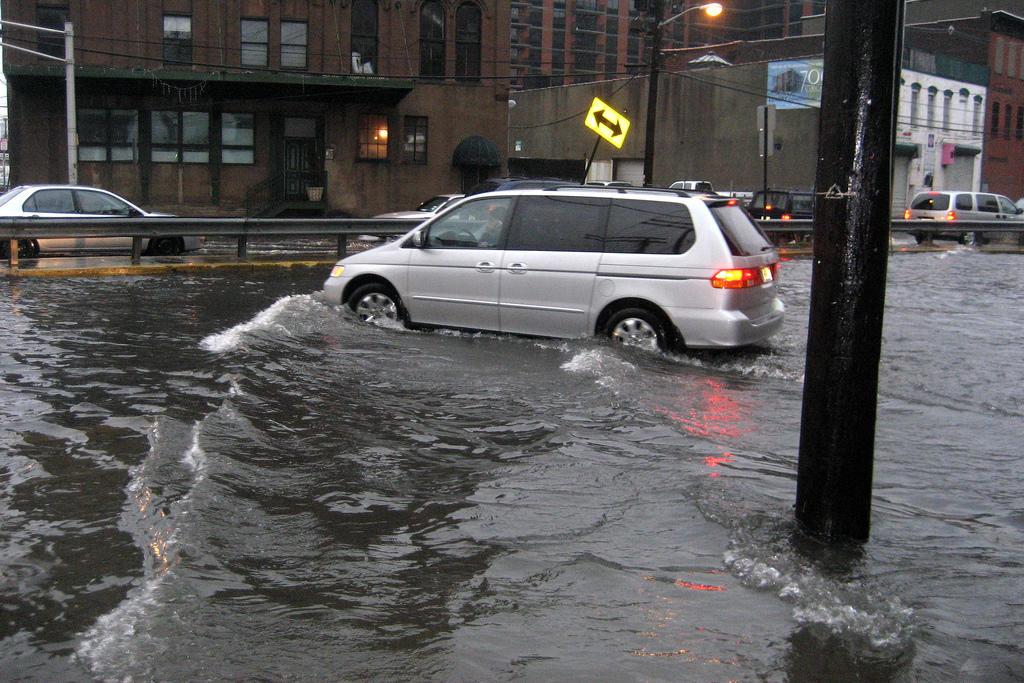 odszkodowanie-za-zalane-auto-powodz