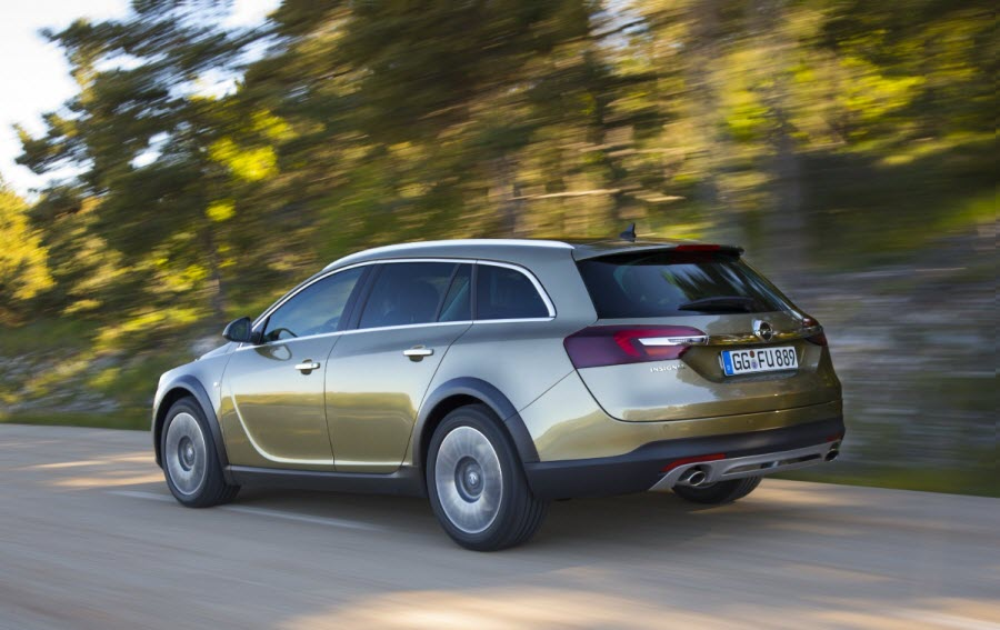 opel-insignia-country-tourer-tyl