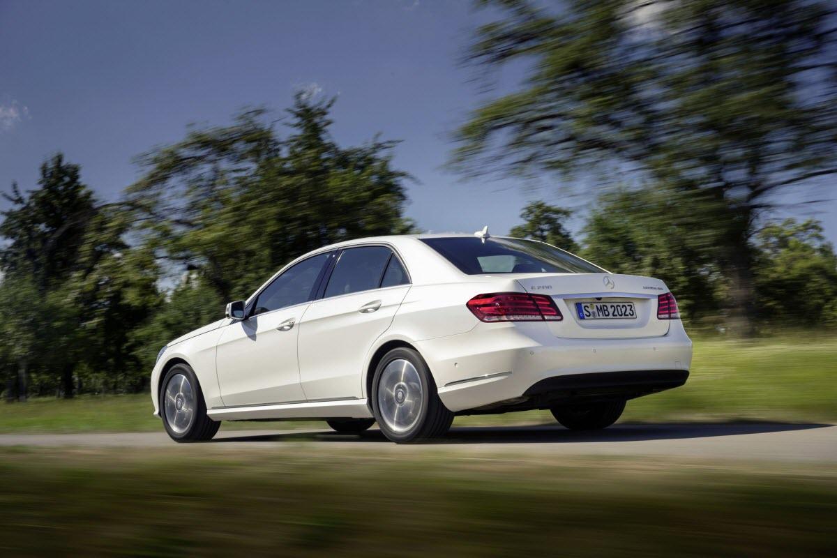 Mercedes-Benz-E-220-BlueTEC-BlueEFFICIENCY-Edition-2