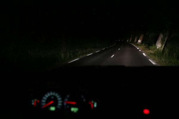 swiatla-samochodowe-2