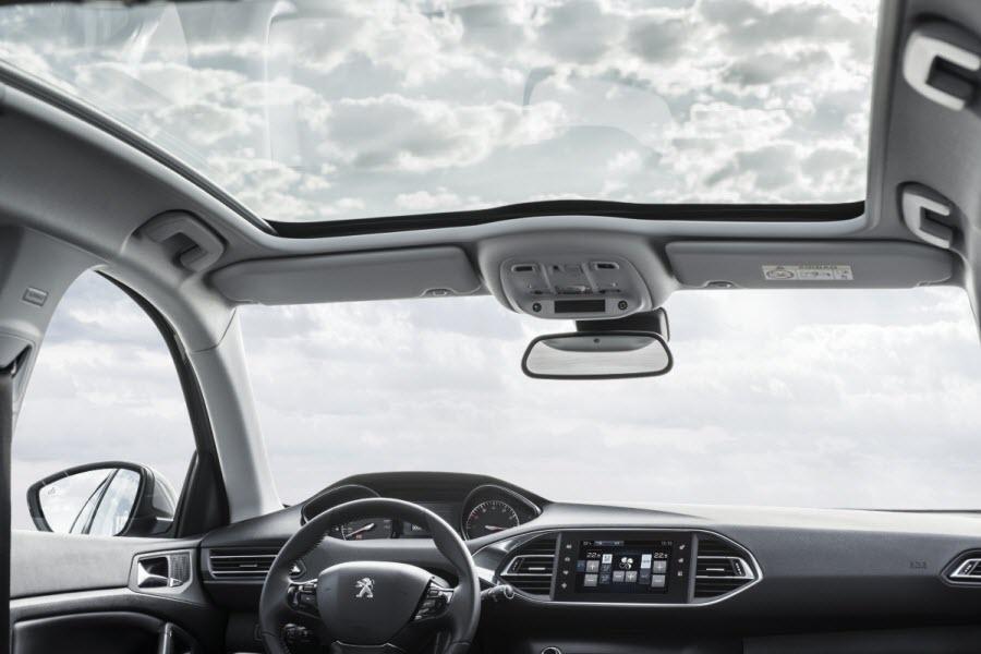 Peugeot-308-2013-12