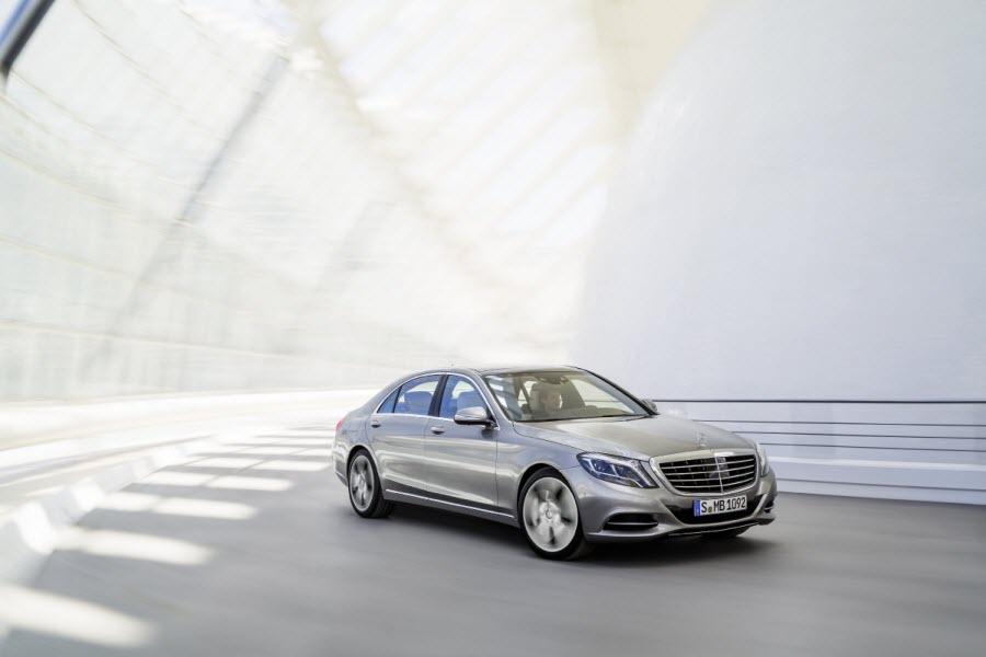 Mercedes-Benz-Klasy-S-2013