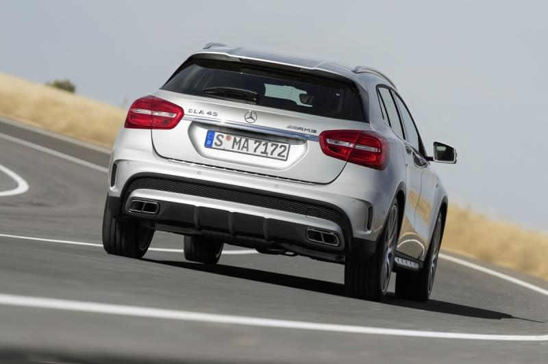Mercedes-Benz-GLA-45-AMG-2