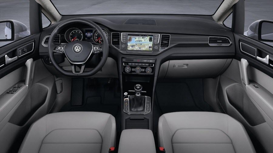 Volkswagen-Golf-Sportsvan-4