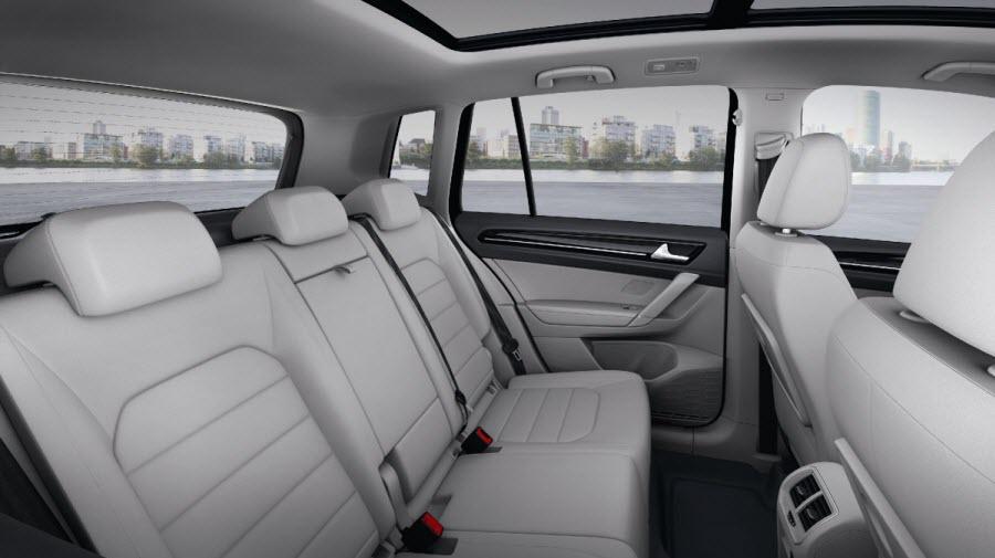 Volkswagen-Golf-Sportsvan-5