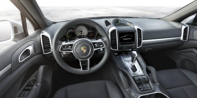 Porsche-Cayenne-2015-2